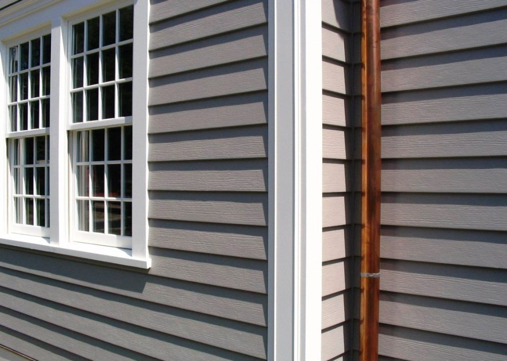 Дом с фасадом из виниловых панелей