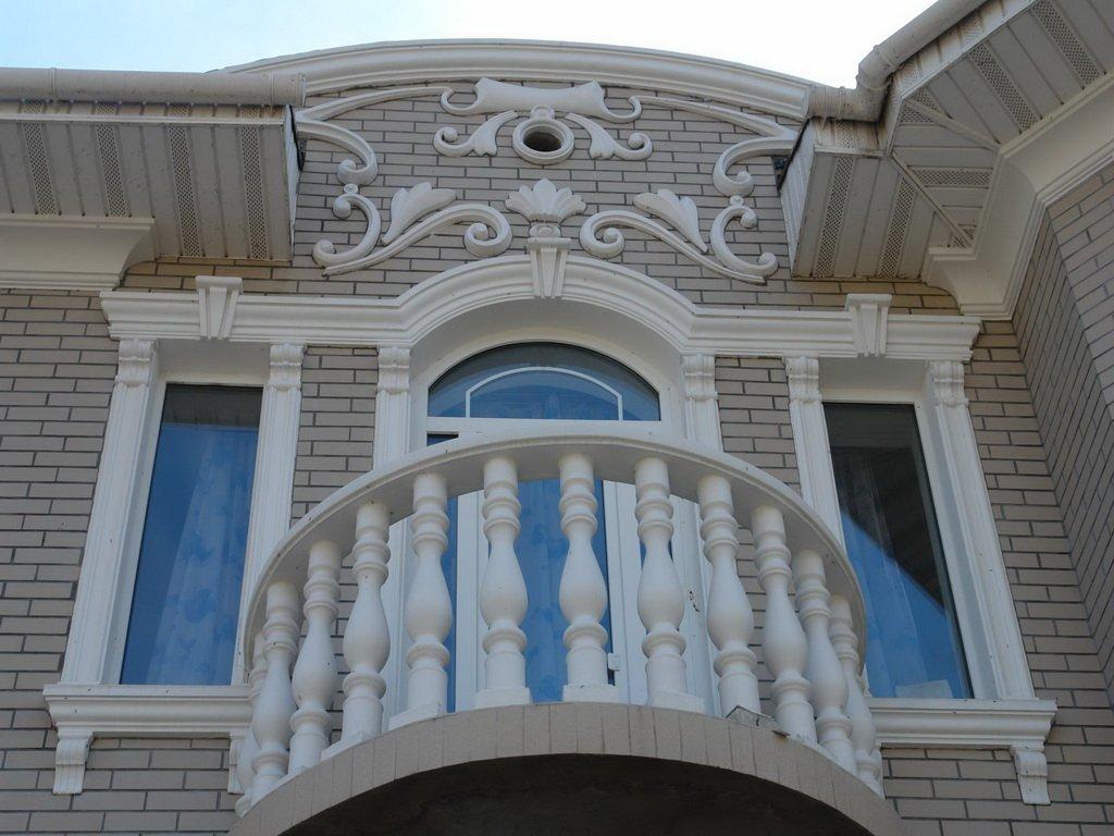 Декор окон дома