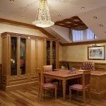 Деревянная мебель для офисного помещения