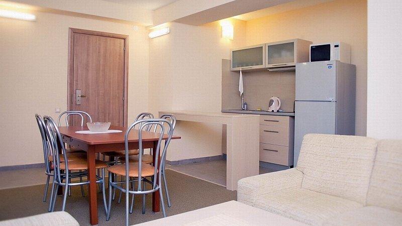 Интерьер комнаты 18 кв. м в общежитии