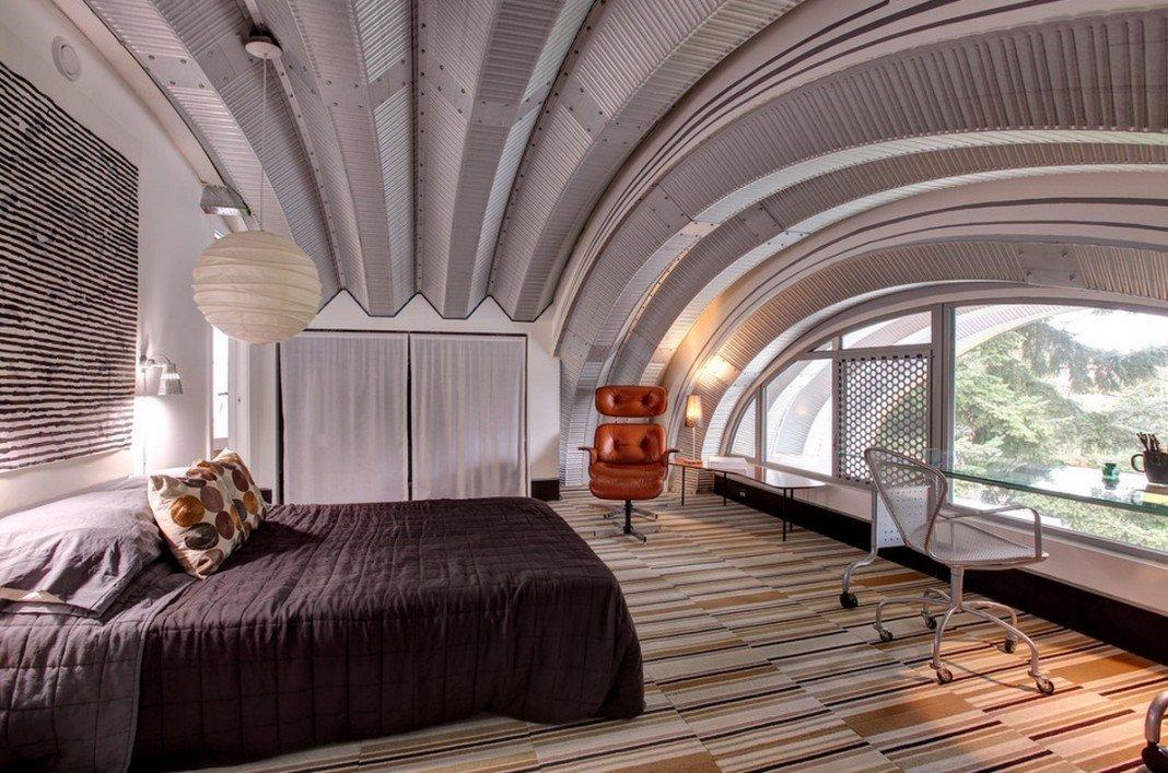 Большое окно в спальне