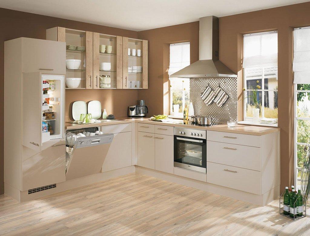 Мебель цвета капучино на кухне