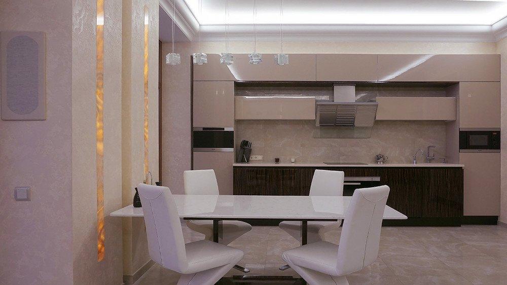 Подвесные светильники над обеденным столом