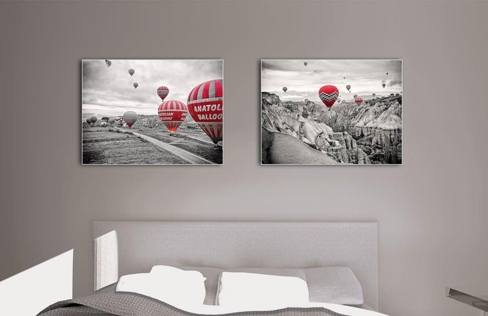 Постеры над кроватью