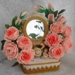 Зеркало в цветах