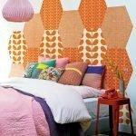 Декор стены в ярком цвете