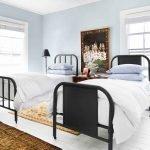 Комната с двумя односпальными кроватями