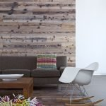 Кресло-качалка в гостиной