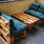 Подушки на скамейках