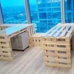 Офис со столами из поддонов